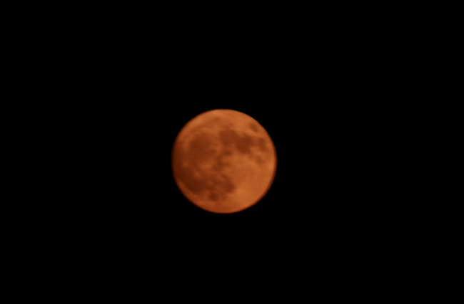 red_moon2.jpg